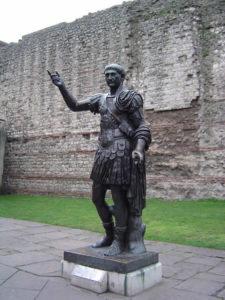 London_wall_statue